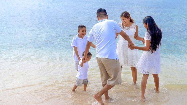 Family Sea Vacation Beach